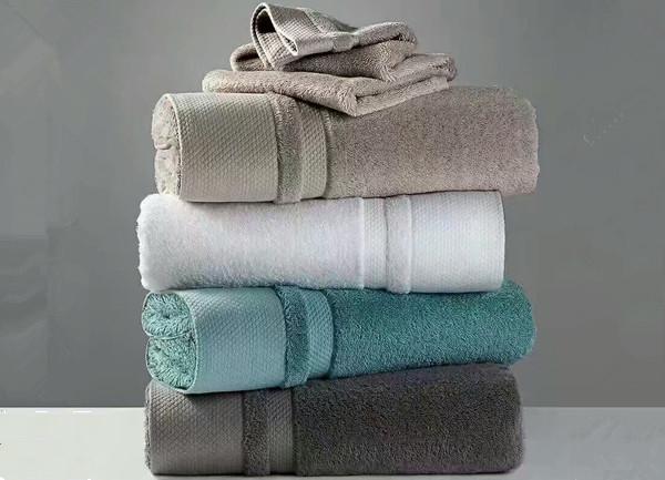 客房四巾 ▪ 浴袍